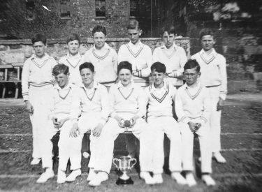 1946 Junior Team – Final